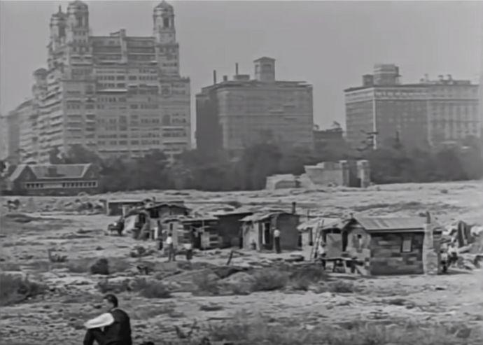 ニューヨーク郊外にバラックを建てて住む人々