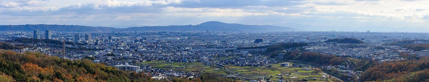 芥川山城跡から南東方面を一望